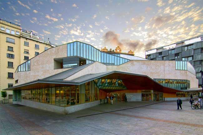 Biblioteca Jaume Fuster a Gracia