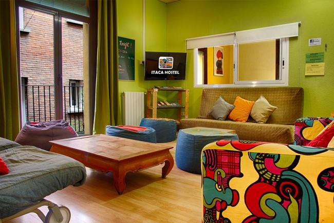 Sala comune dell'Itaca Hostel Barcellona