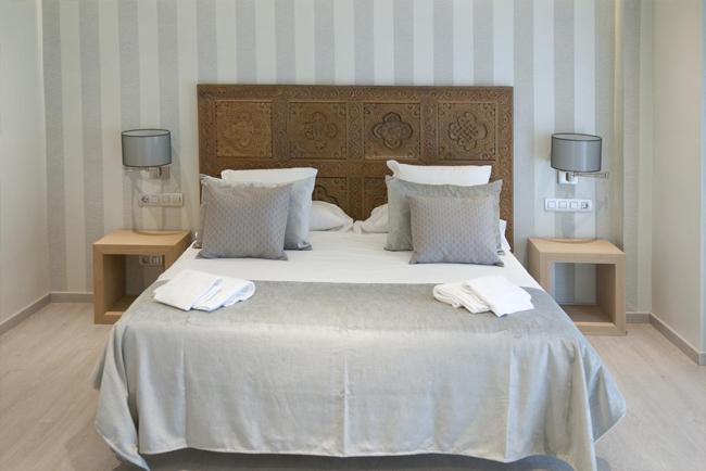 Camera da letto matrimoniale al Serennia