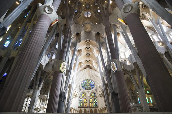 Interno Sagrada Familia