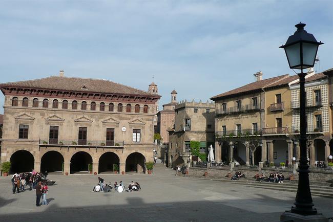 Una plaza del Poble Espanyol