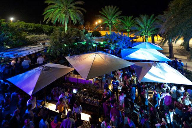 Il Bestial Beach Club di Barcellona