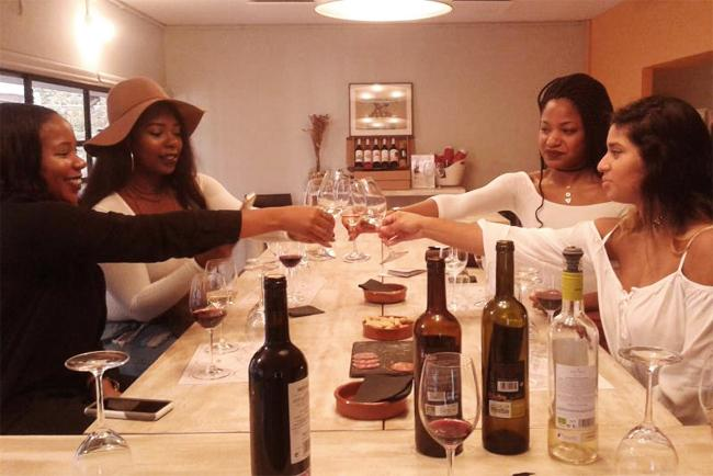 Degustación vinos y nuevos amigos