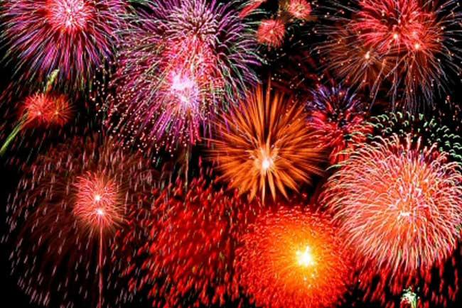 Fuochi d'artificio al Falò di Sant Joan