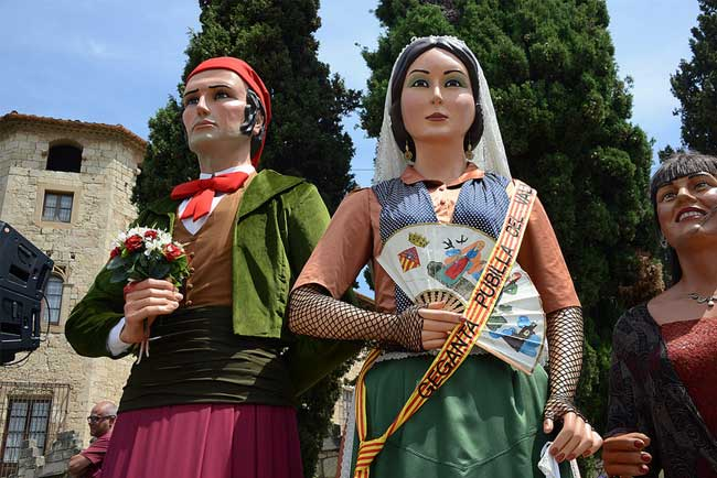 I giganti di cartapesta tradizionali per la Mercè a Barcellona