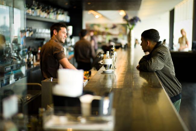 El trabajo en un bar de Barcelona